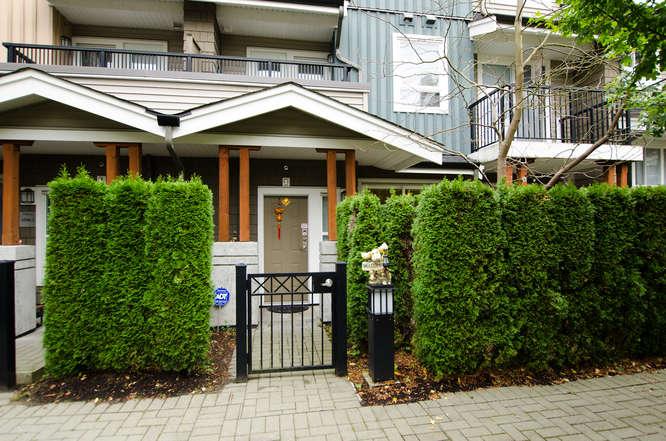 3-3298 E54th Ave, Vancouver BC