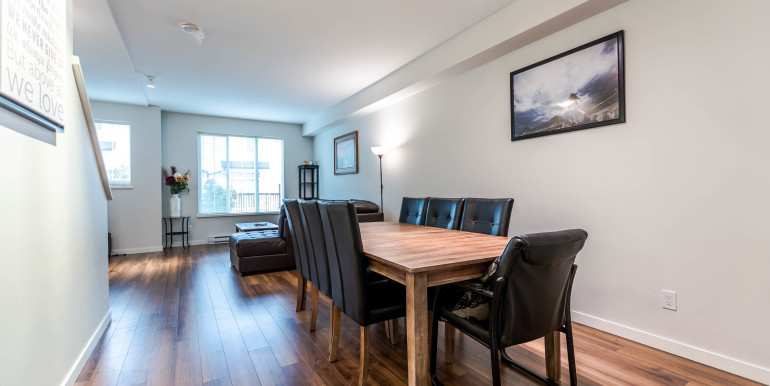 143-14833-61-ave-surrey-bc-print-007-2-dining-room-4200x2800-300dpi