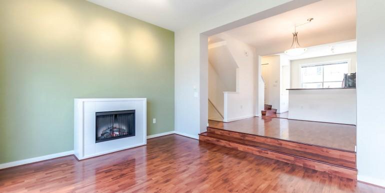 38 15075 60 Ave Surrey BC V3S-large-009-10-LivingDining Room-1500x1000-72dpi