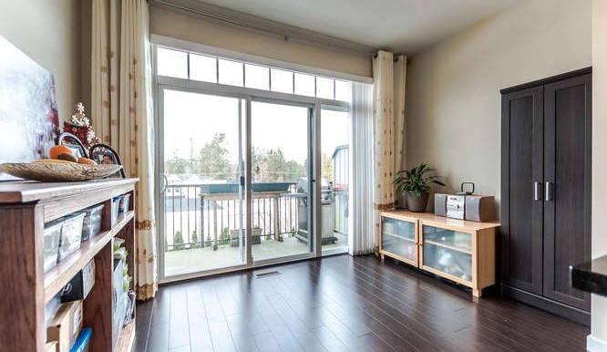65 14356 63A Ave Surrey BC-small-010-2-Eating Area-666x444-72dpi