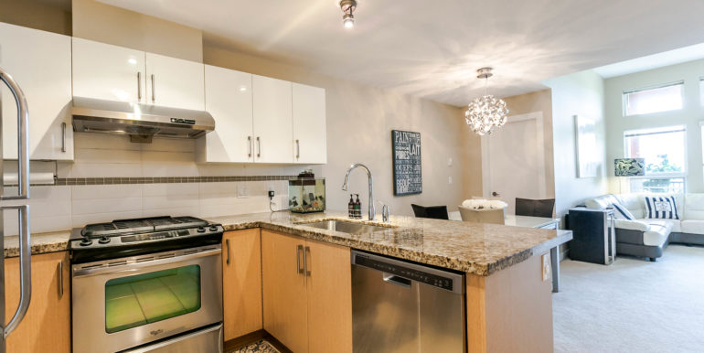 406 6800 Eckersley Rd-print-007-16-Kitchen-3861x2574-300dpi