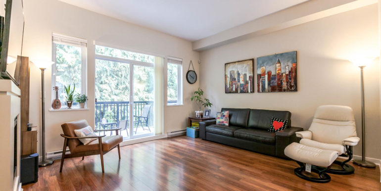 70 1125 Kensal Pl Coquitlam-large-002-6-Living Room-1500x1000-72dpi