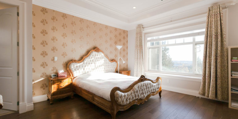 5161 Patrick St Burnaby BC V5J-print-013-19-Bedroom-3861x2574-300dpi