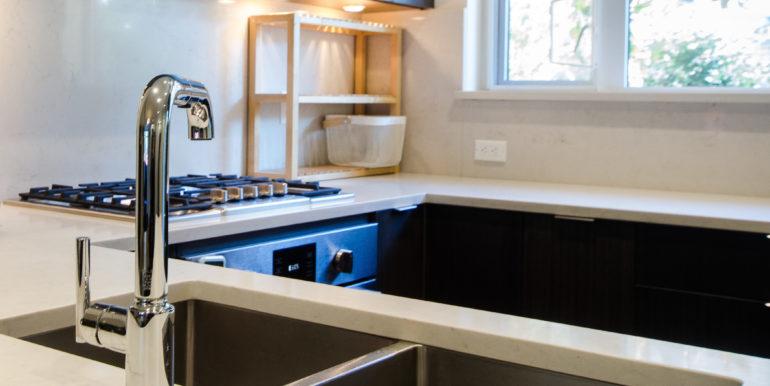 6086 Oak St Vancouver BC V6M-print-016-23-DSC 7492-4200x2782-300dpi