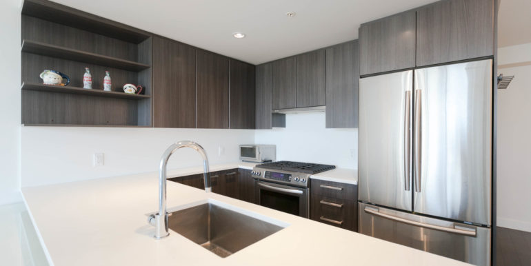 1006 8288 Granville Ave-print-003-2-Kitchen-3861x2574-300dpi