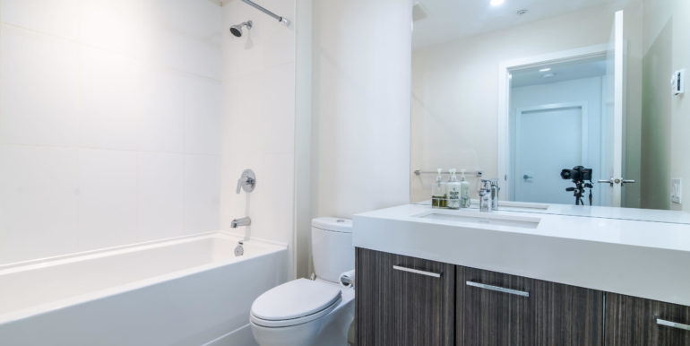 545 Foster Ave Unit 312-010-3-Bathroom-MLS_Size