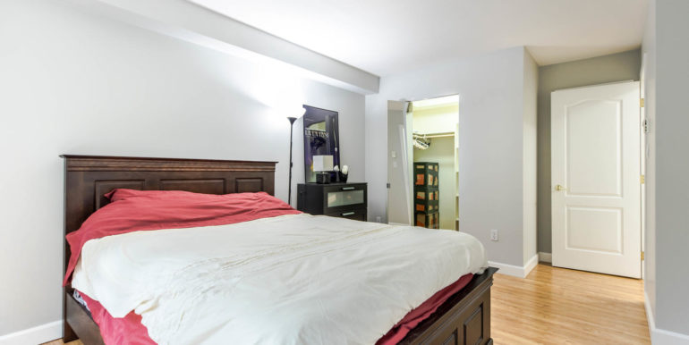 104 3733 Norfolk Street-large-008-020-Bedroom-1500x1000-72dpi