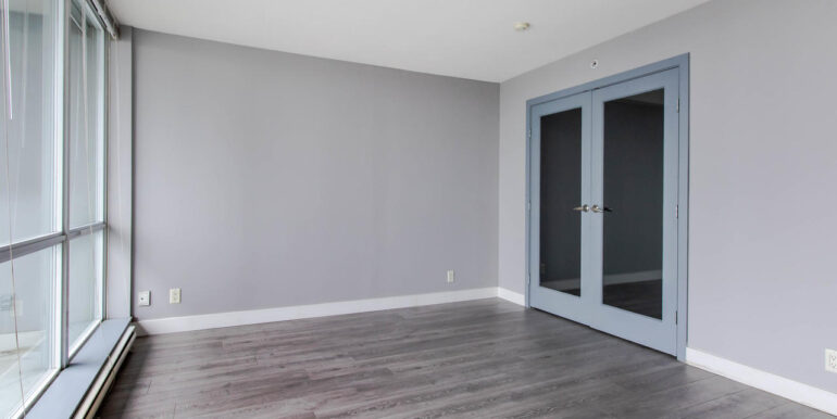 13618 100 Ave Surrey BC V3T-003-005-Living Room-MLS_Size
