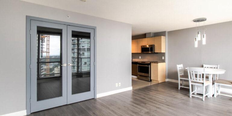 13618 100 Ave Surrey BC V3T-005-017-Living Room-MLS_Size