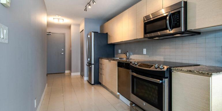 13618 100 Ave Surrey BC V3T-007-011-Kitchen-MLS_Size