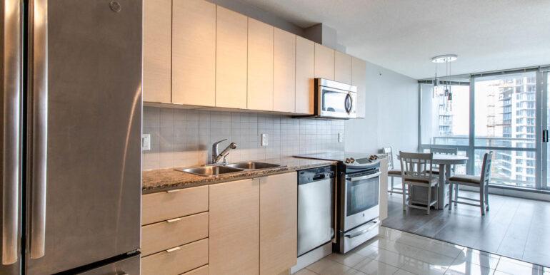 13618 100 Ave Surrey BC V3T-010-019-Kitchen-MLS_Size