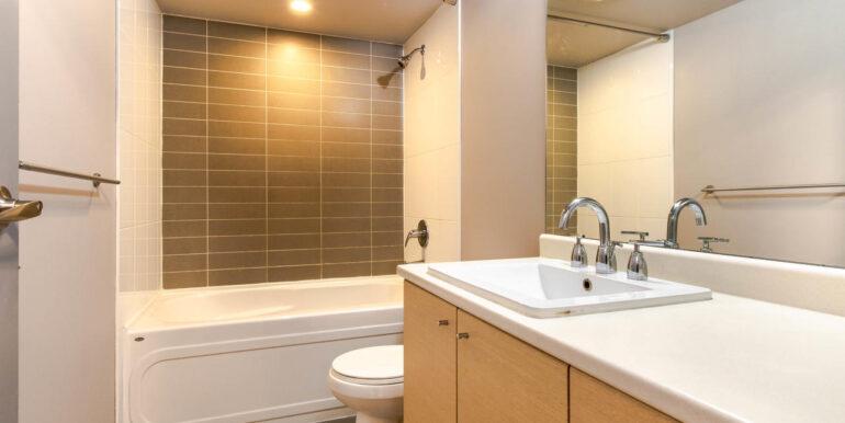 13618 100 Ave Surrey BC V3T-019-001-Bathroom-MLS_Size