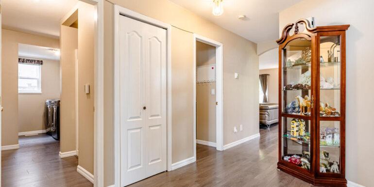 15737 109a Ave Surrey BC V4N-015-026-Hallway-MLS_Size