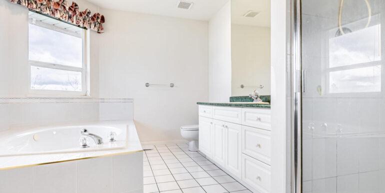 15737 109a Ave Surrey BC V4N-019-011-Bathroom-MLS_Size