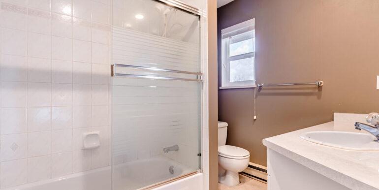 15737 109a Ave Surrey BC V4N-026-028-Bathroom-MLS_Size