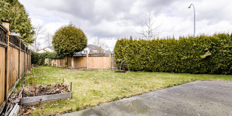 15737 109a Ave Surrey BC V4N-029-030-Patio-MLS_Size